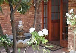 Benoni Accommodation - Benoni B&B at Chaucers Retreat
