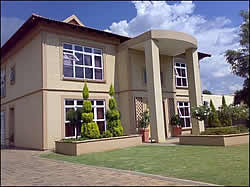 Accommodation Vanderbijlpark  - Dezo Guest Lodge